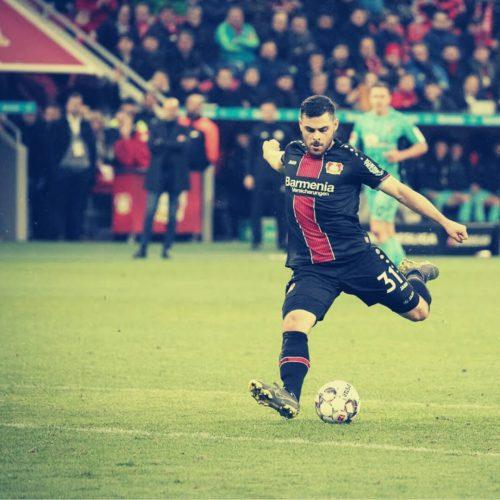 Kevin Volland trifft zum 1:1 gegen den FC Augsburg, der Bayer 04 Blog Pillenliebe berichtet.